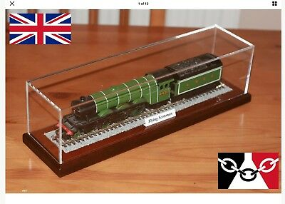 Display Case For Hornby - Lima - Bachmann - Model Train Loco with fixed track.