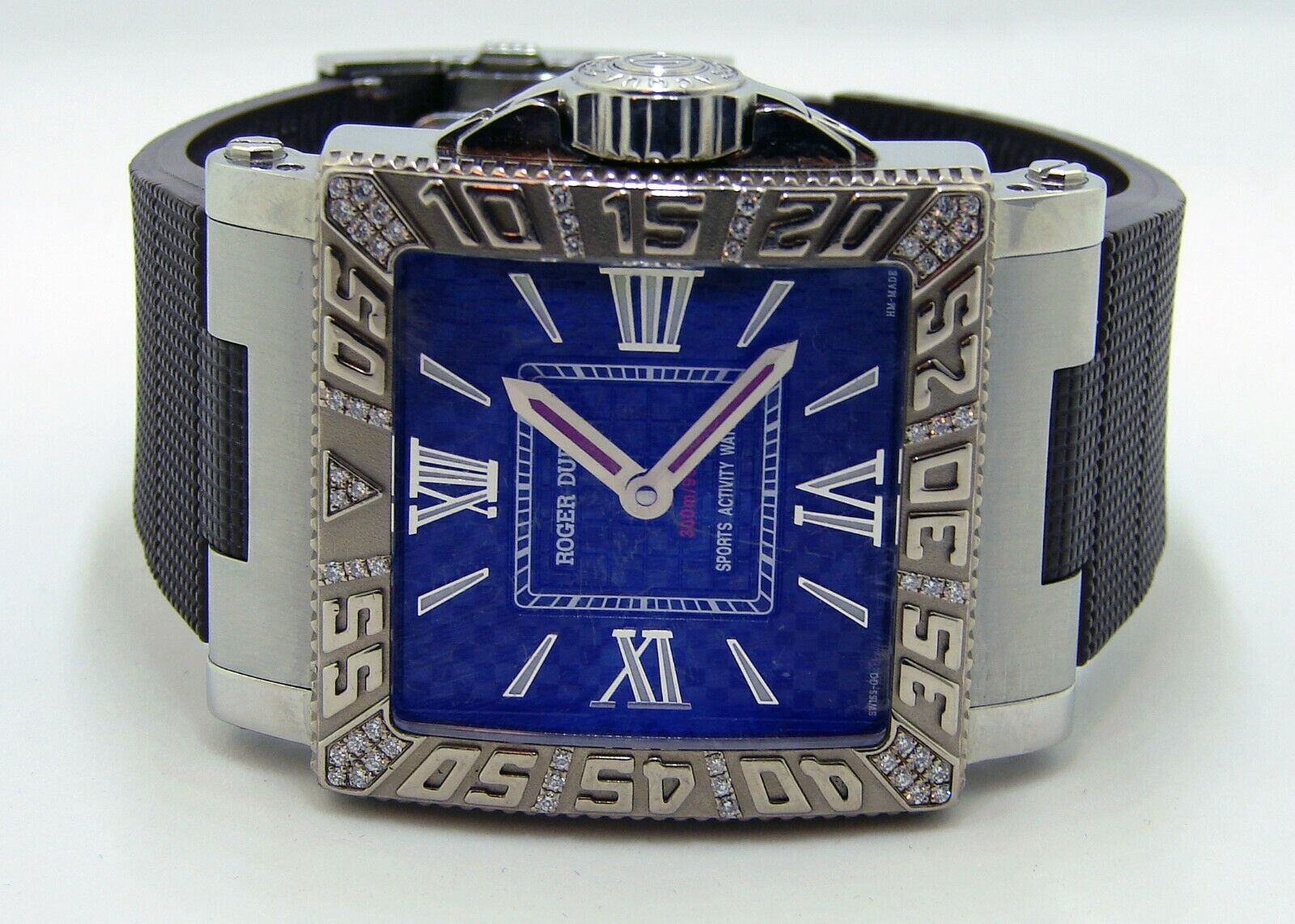 Roger Dubuis Aqua Mare Men's Watch with Factory 18k Gold and Diamond Bezel 38mm - watch picture 1