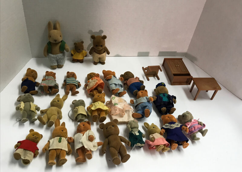 Vintage Maple Town Story Figures and Accessories Lot 1986 Bandai