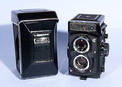 Yashica Mat 124G TLR Medium Format 6x6 Camera Yashinon 80mm f3.5 Lens *Near Mint