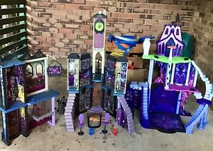 Monster high playhouses and castles.huge amount see photos $30 the lot