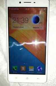 OPPO F1f smartphone New Town Copper Coast Preview