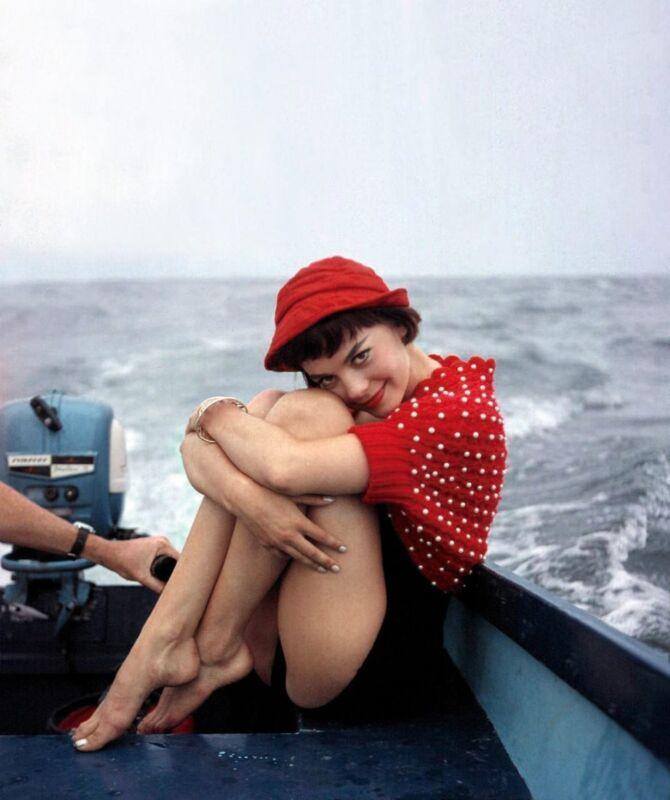 Natalie Wood Posing On The Boat 8x10 Photo Print