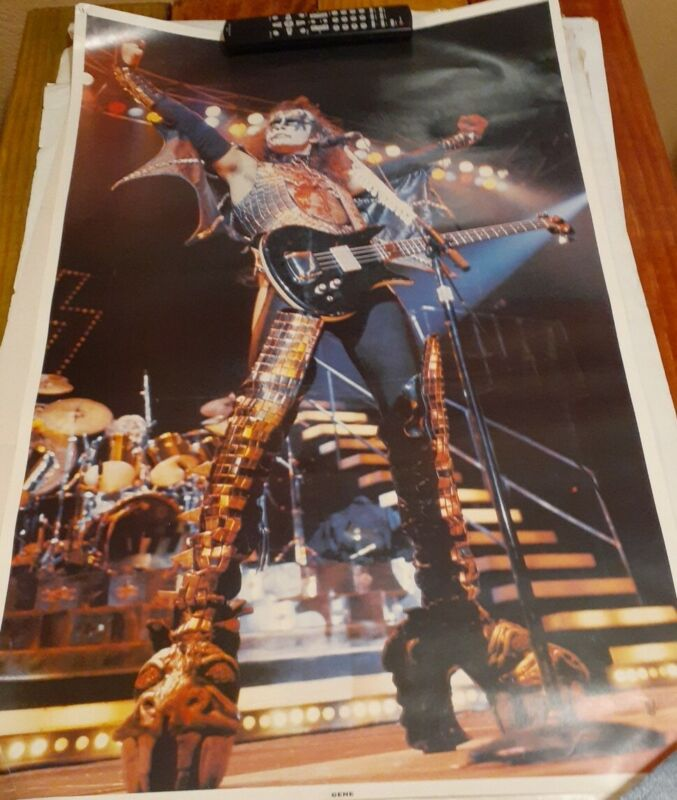 Vintage 1977 Kiss Poster ~ Gene Simmons  Aucoin/Boutwell  22x 34 excellent