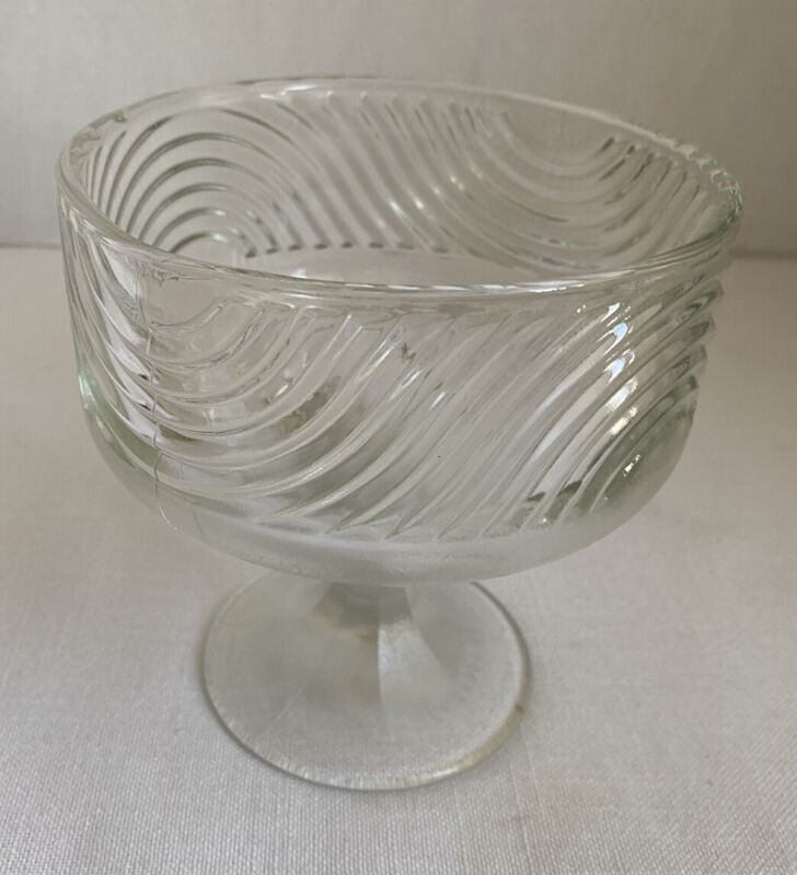 E O Brody Clear Compote Dish Candy Fruit Cleveland Ohio USA Made Swirl Design