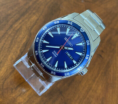 Seiko Solar Blue Face - Watch Day/Date Diver V158-0AY0 Excellent Condition