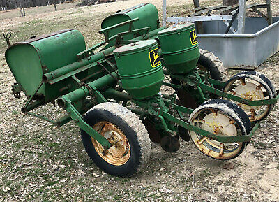 Vintage John Deere1240 2 Row Corn Planter Deer Plot Fertilizer Insecticide Box