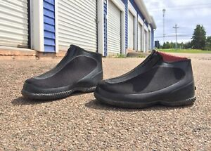 Slip-on water proof shoes