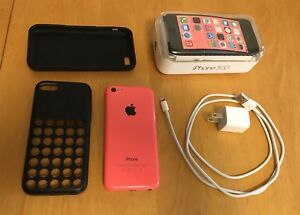 iPhone 5c in excellent condition - 32 gb w/ Apple case