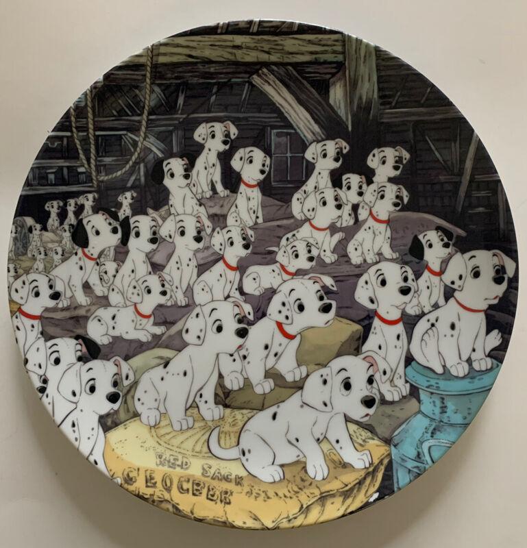 """Walt Disneys 101 DALMATIANS 🐩 Dogs Decorative Porcelain Plate JAPAN  9 4/8"""""""