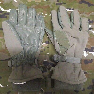 NEW US ARMY INTERMEDIATE COLD/WET WEATHER/ICW GORETEX GLOVES. MEDIUM. FOLIAGE.