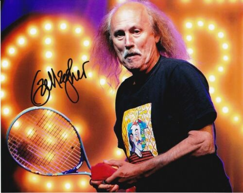 """Gallagher """"Comedian"""" Autographed 8 x 10 Glossy Photo Reproduction"""