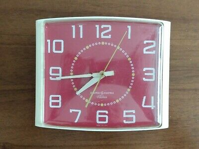 Vintage GE GENERAL ELECTRIC - Telechron Red Kitchen Wall Clock Model 2HC41