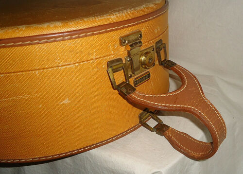 Vintage Oshkosh Cheyenne Hat Box Train Case luggage