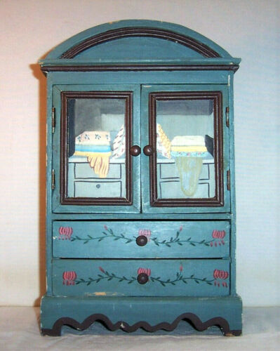 "15 7/8"" Small Folk Art Cabinet , Hand Painted Vintage Tabletop Wooden Furniture"