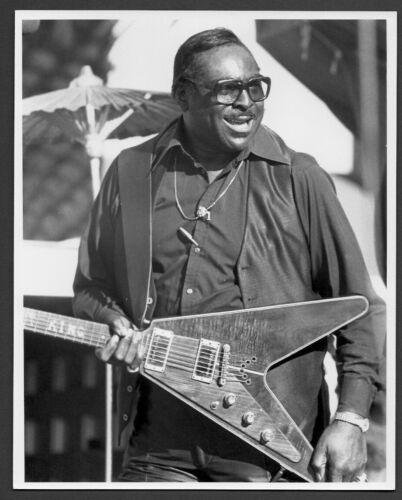 ALBERT KING blues singer guitarist ORIG PHOTO by TOM COPI