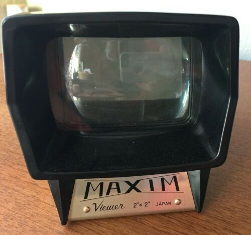"""Vintage Maxim 2"""" x 2"""" Color Slide Viewer Tested Made In Japan."""