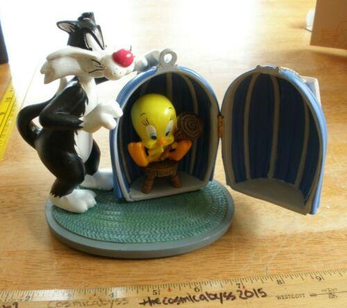 Sylvester & Tweety hinged figurine Warner Brothers  MIB WBSS Studio Store 1990s