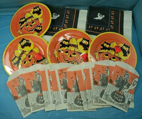 Vintage Halloween Paper Plates Napkins Trick Or Treat Bags.