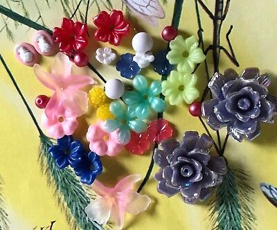 Vintage Flower Beads, Plastic and lucite beads, Destash Beads, Flowers -