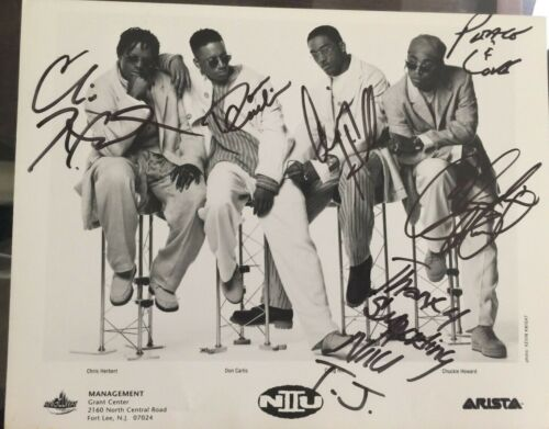 N II U  R&B Group Signed Photograph ARISTA Records Artists