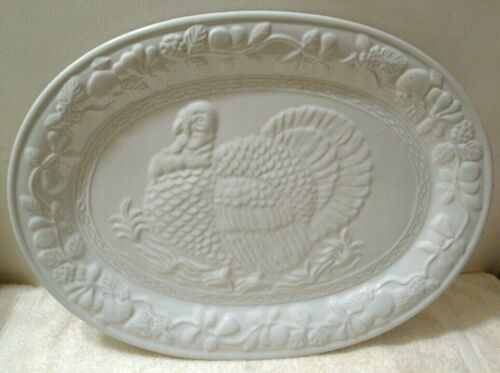 "Large White Turkey Oval Serving Platter 18""x13.25"" Embossed Thanksgiving Vintage"