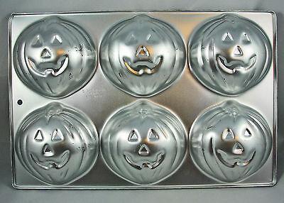 Wilton HALLOWEEN JACK-O-LANTERN Mini Cake Pan 6 Cavities 508-1040  Aluminum - Halloween Jack O Lantern Cake