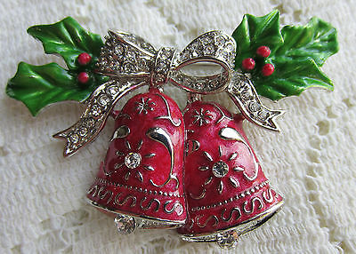 VINTAGE STYLE VICTORIAN CHRISTMAS BELLS HOLLY CRYSTALS SILVER TONE PIN BROOCH
