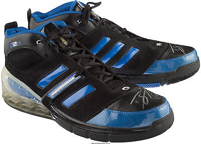 2007 Dwight Howard Game Worn Used Signed Autographed Orlando Magic Sneakers  LOA 061a7fd47