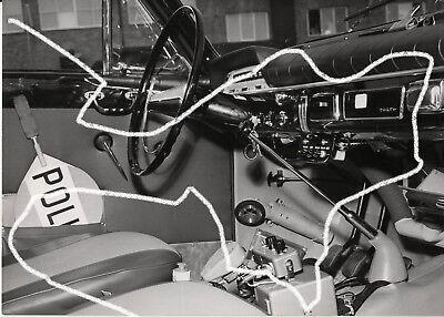 18x13 Orig. Vintage Presse Foto 1960 Polizei Volvo Amazon Innenausstattung photo