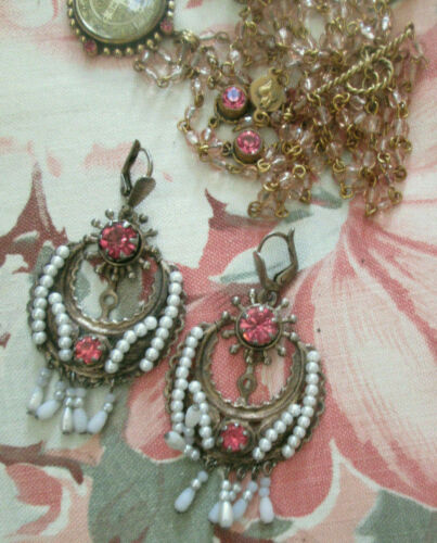 ANTIQUE FRIDA STYLE DANGLING GOLD TONE PINK FACETED STONES W/PEARLS EARRINGS