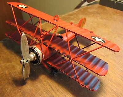 METAL TRI-PLANE  VINTAGE STYLE  COLLECTOR MILITARY AIRCRAFT DECOR MODEL AIRPLANE