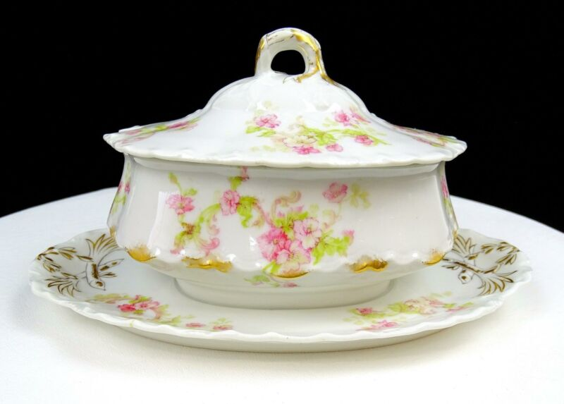 "HAVILAND CO LIMOGES FRANCE FLORAL 8 3/4"" GRAVY BOAT ATTACHED UNDERPLATE & LID"