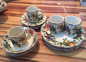 Selling a set of dishes
