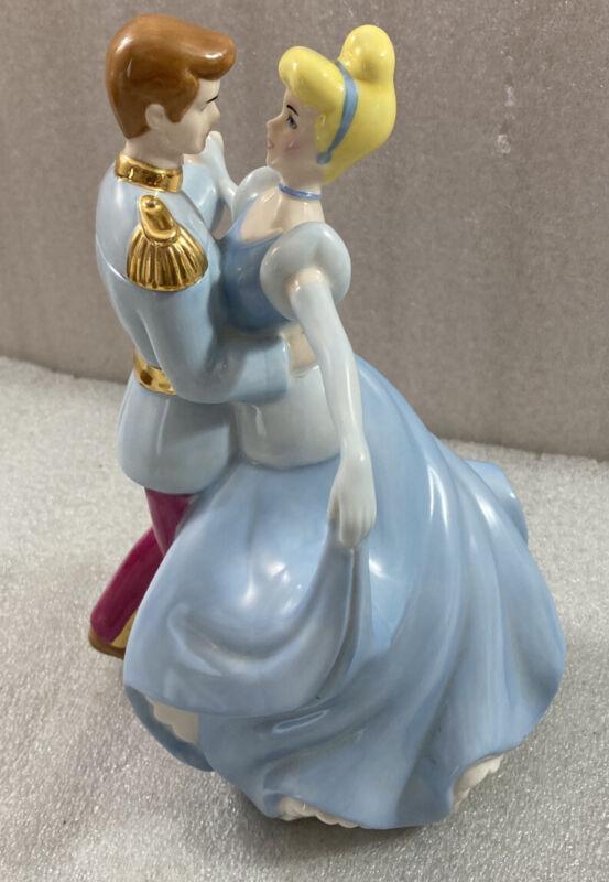 """Disney CINDERELLA & Prince Tea Pot Figurine 9""""H"""