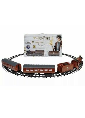 Lionel Harry Potter Hogwarts Express 37 Piece Train Set New