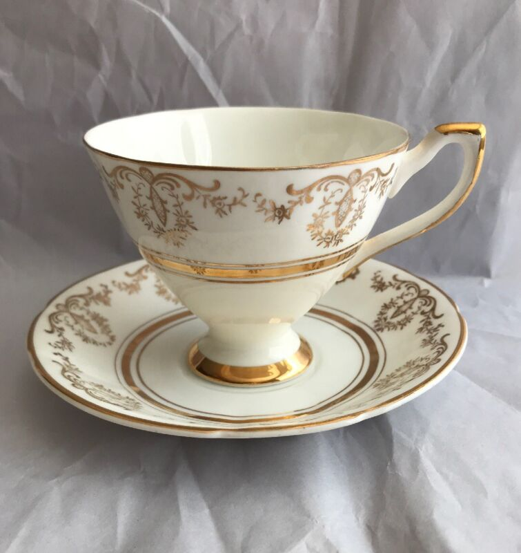 Beautiful Crownford of England China Tea Cup and Saucer