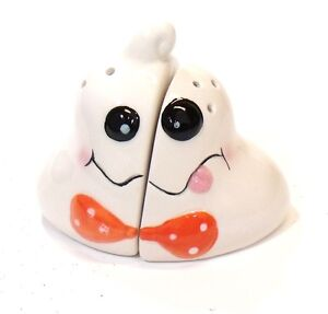 HALLOWEEN ANTHROPOMORPHIC GHOST SALT & PEPPER SHAKERS Figural
