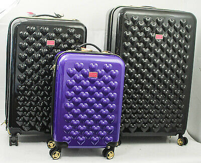 BETSEY JOHNSON Heart To Heart 3 Piece Expandable Hardside Spinner Luggage Set