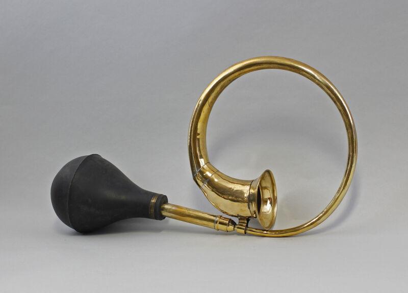 9977471 Nostalgic Vintage Car Horn/Horn Brass