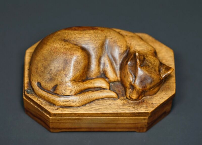19c Antique Continental Oak Wooden Wood Carving Sleeping Cat Lid Jewelry Box