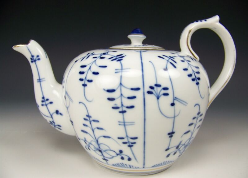 ANTIQUE VINTAGE PORCELAIN WHITE & BLUE TEA POT NUMBERED