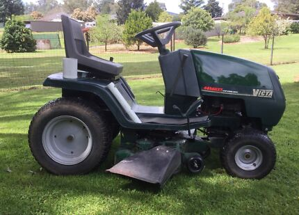 Victa Ride On Mower 4616 HXT Hydro Drive