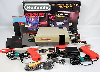 NES Action Set Bundle Nintendo Entertainment System w/Games Controller Zapper