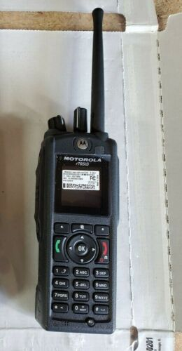 Motorola r765is (unlocked)Direct talk with belt clip and charger