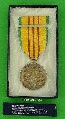 VIETNAM SERVICE MEDAL & RIBBON BAR  - Original U.S. GI Issue - made in the USA