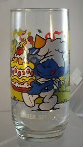 NEW-Smurf-BAKER-Collectible-Glass-Tumbler-Wallace-Berrie-Co-Peyo-1983