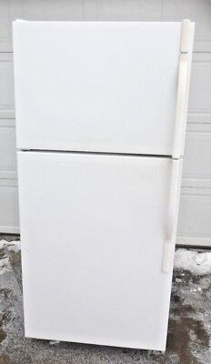 Kenmore Top-Mount Refrigerator/Freezer with Ice Maker 106.64932400
