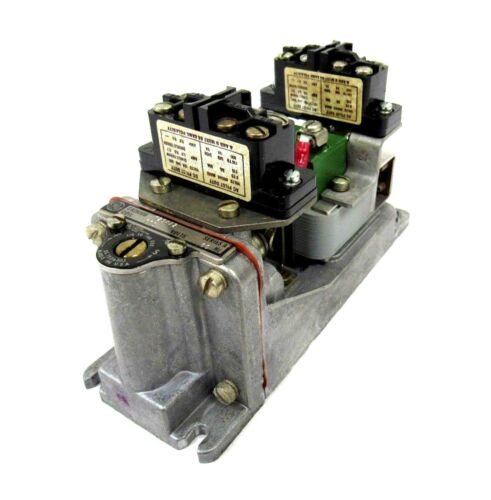 USED GENERAL ELECTRIC CR2820B-129AA2 TIME DELAY RELAY CR2820B129AA2