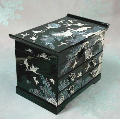 Korea Traditional Lacquerware Mother of Pearl Jewelry Jewel Box Handcrafted